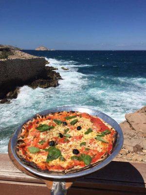 petit port marseille pizza vue mer les goudes